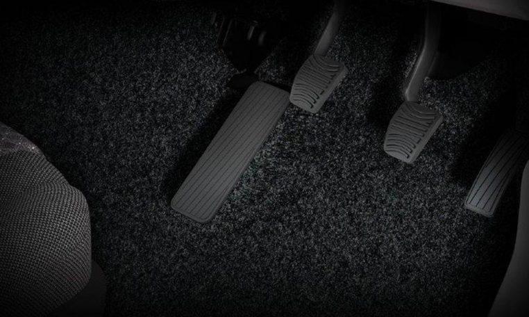 Driver-Footrest-(dead-pedal)